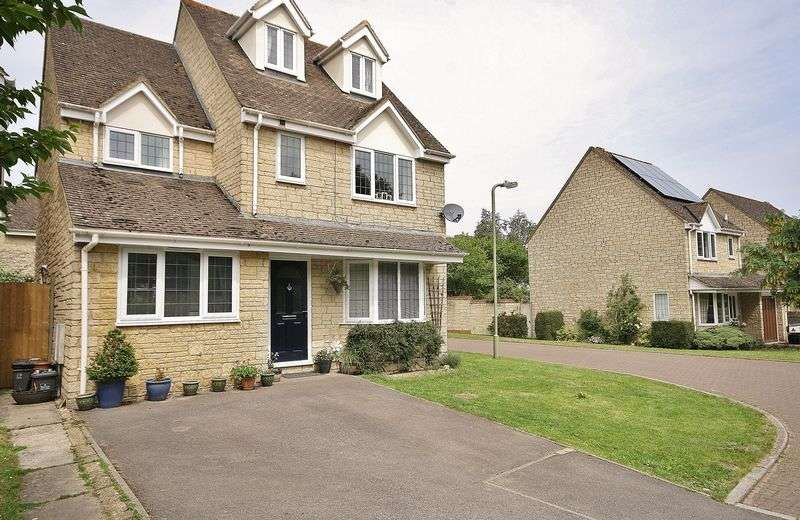 5 Bedrooms Detached House for sale in CHEDWORTH DRIVE, Deer Park Development, Witney OX28 5FS