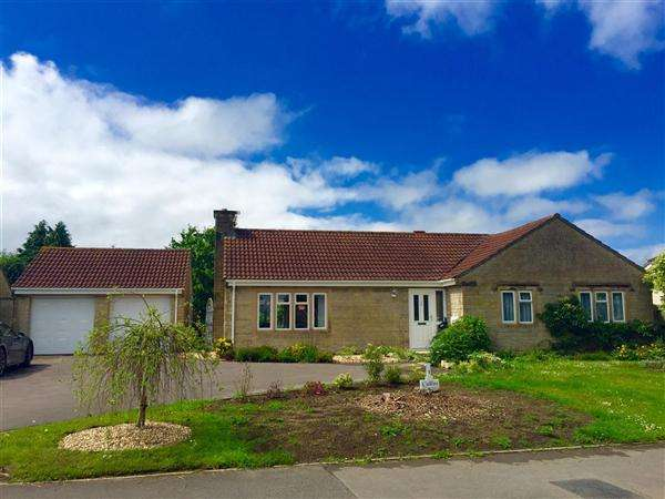 3 Bedrooms Bungalow for sale in Freame Way, Gillingham