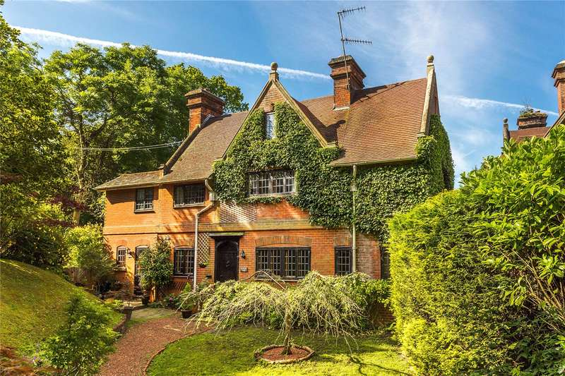 5 Bedrooms Detached House for sale in Hextalls Lane, Bletchingley, Redhill, Surrey, RH1