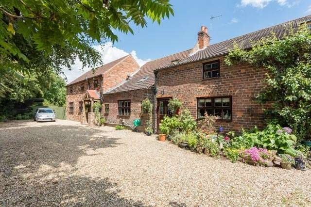 6 Bedrooms Detached House for sale in High Street, Wootton, Lincolnshire, DN39