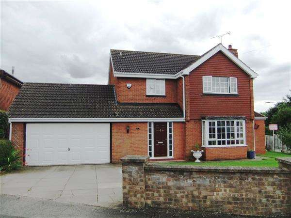 3 Bedrooms Detached House for sale in Hales Close, Scunthorpe