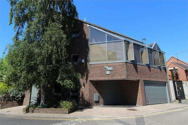 3 Bedrooms House for sale in Strand Street, Poole, Dorset, BH15