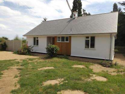 2 Bedrooms Bungalow for sale in Tunstall, Woodbridge, Suffolk