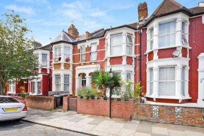 4 Bedrooms Terraced House for sale in Abbotsford Avenue, London