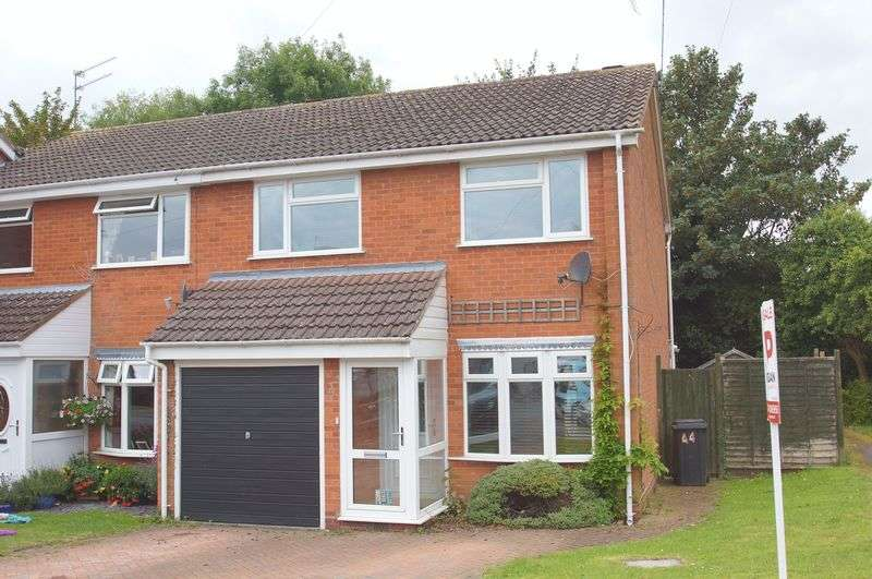 3 Bedrooms Terraced House for sale in Avenue Road, Astwood Bank, Redditch, Worcestershire