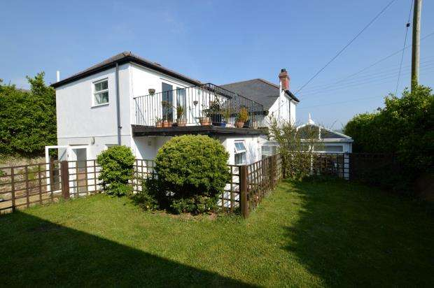 5 Bedrooms Detached House for sale in Churchtown Road, Phillack, Hayle, Cornwall
