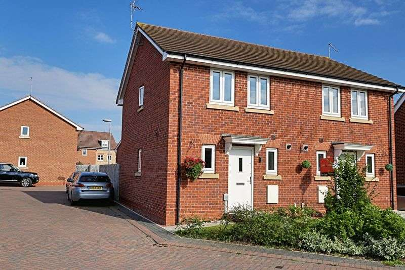 3 Bedrooms Semi Detached House for sale in Hidcote Walk, Brough