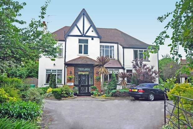 5 Bedrooms Detached House for sale in Waldegrave Road, Twickenham