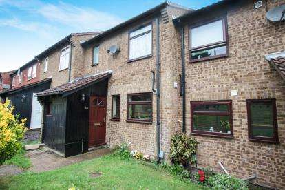 3 Bedrooms Terraced House for sale in Plaiters Way, Houghton Regis, Dunstable, Bedfordshire