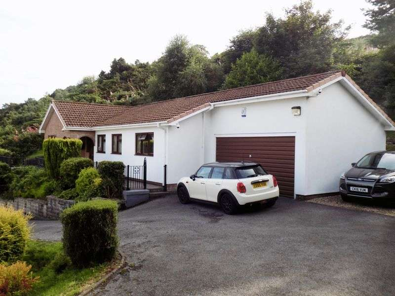 3 Bedrooms Detached Bungalow for sale in Hendre Gwilym, Tonypandy