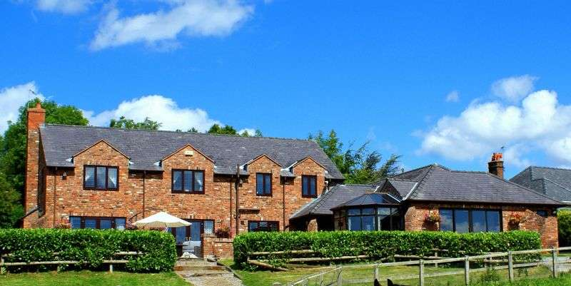 4 Bedrooms Detached House for sale in Horseshoe Cottage, Mill Lane, Mold, LLanarmon yn lal, Denbighshire, CH7 4QF