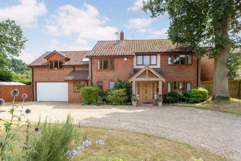4 Bedrooms Detached House for sale in Station Road, Lower Shiplake