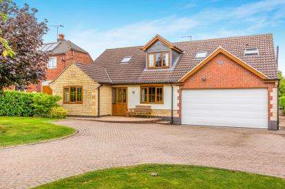 3 Bedrooms Detached House for sale in The Peterleas, Donisthorpe, Swadlincote, N/A