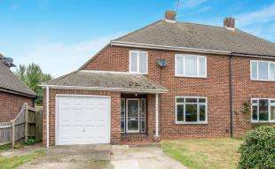 3 Bedrooms Semi Detached House for sale in Brompton Farm Road, Rochester, Kent, .