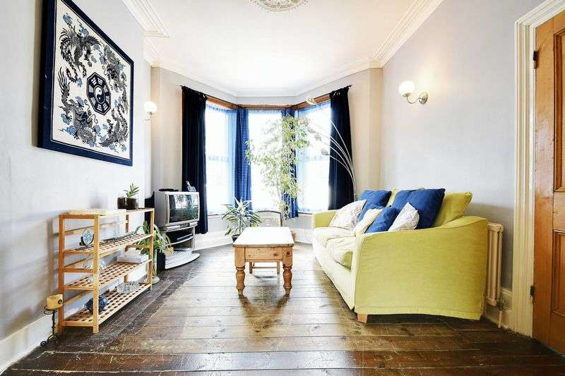 3 Bedrooms Terraced House for sale in Elmcroft Street, London