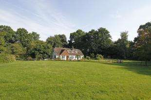 5 Bedrooms Detached House for sale in Snow Hill, Crawley Down, Crawley, West Sussex