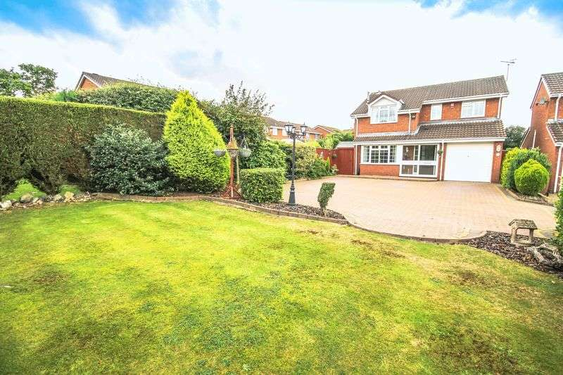 4 Bedrooms Detached House for sale in Sunningdale Way, Turnberry, Walsall
