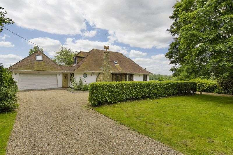 4 Bedrooms Detached House for sale in Blackmore Road, Fryerning