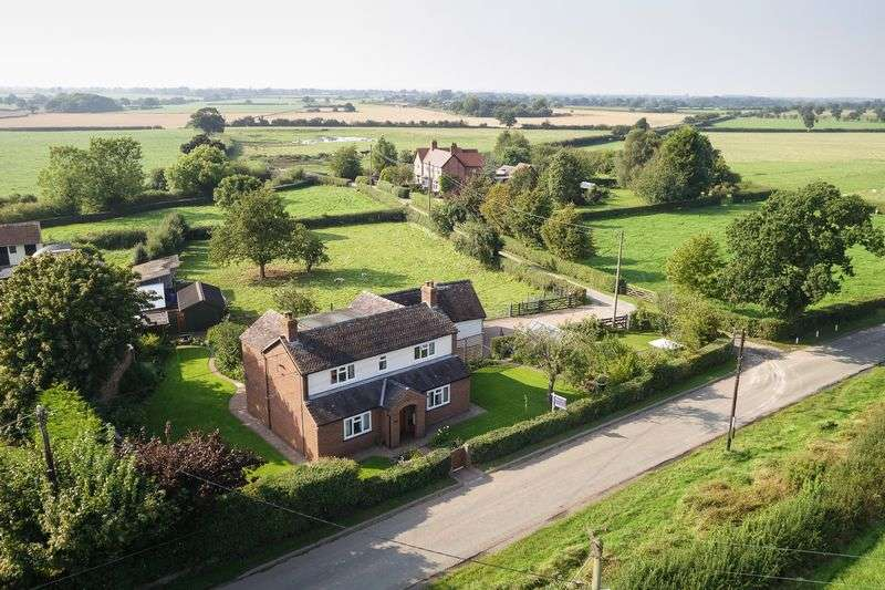 4 Bedrooms Detached House for sale in Coole Lane, Nantwich
