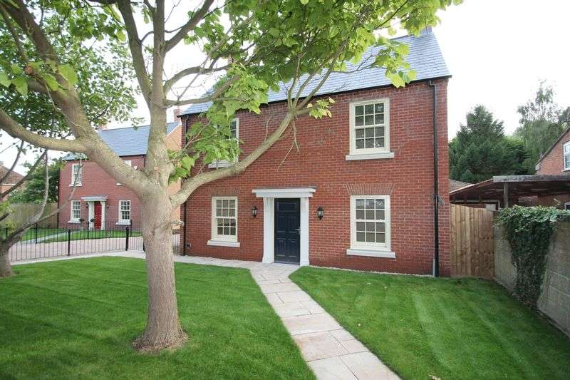 4 Bedrooms Semi Detached House for sale in Quadring Road, Donington