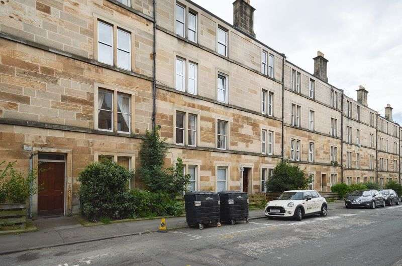 3 Bedrooms Flat for sale in 18/3 Caledonian Road, Dalry, Edinburgh, EH11 2DF