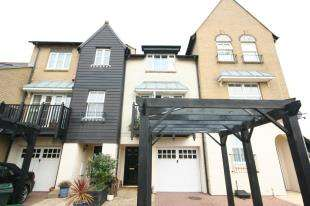 3 Bedrooms Terraced House for sale in Admiralty Crescent, North Harbour, Eastbourne, East Sussex