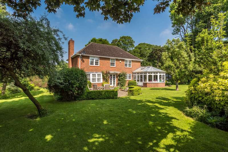 4 Bedrooms Detached House for sale in Brightlands Road, Reigate, RH2