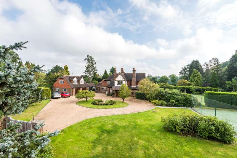 7 Bedrooms Detached House for sale in Snower Hill Road, Betchworth, RH3