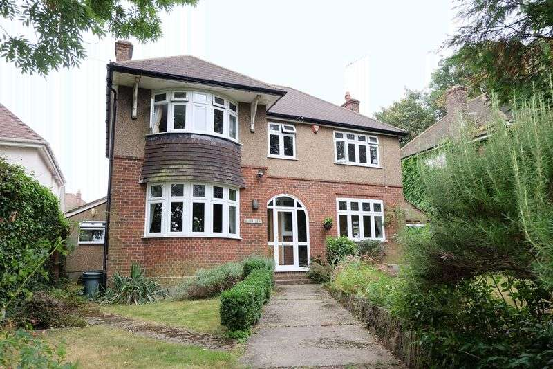 4 Bedrooms Detached House for sale in Church Hill, Dartford