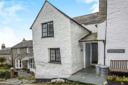 3 Bedroom House For Sale In Fore Street Boscastle Cornwall PL35