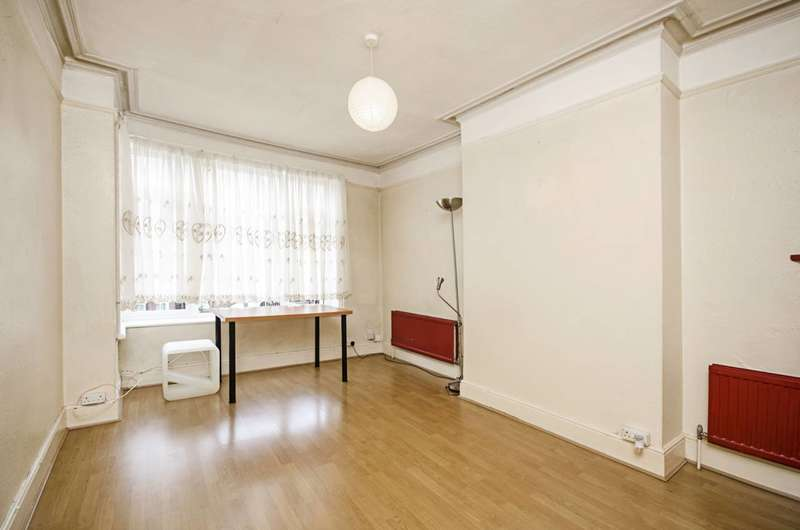 Flat in  Audley Road  London  NW4  Richmond