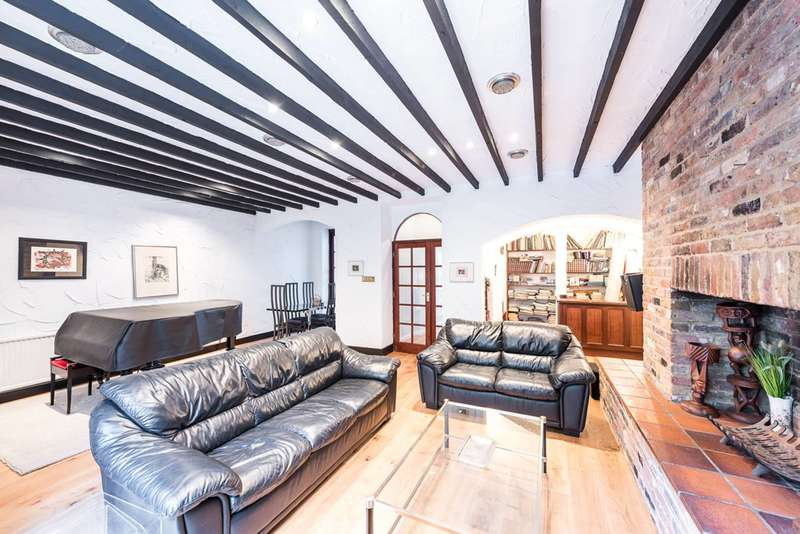Flat in  Queens Gate Gardens  Kensington  SW7  Richmond
