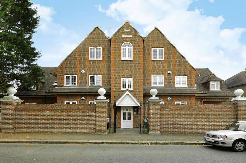 Flat in  Wandle Road  Morden  SM4  Richmond