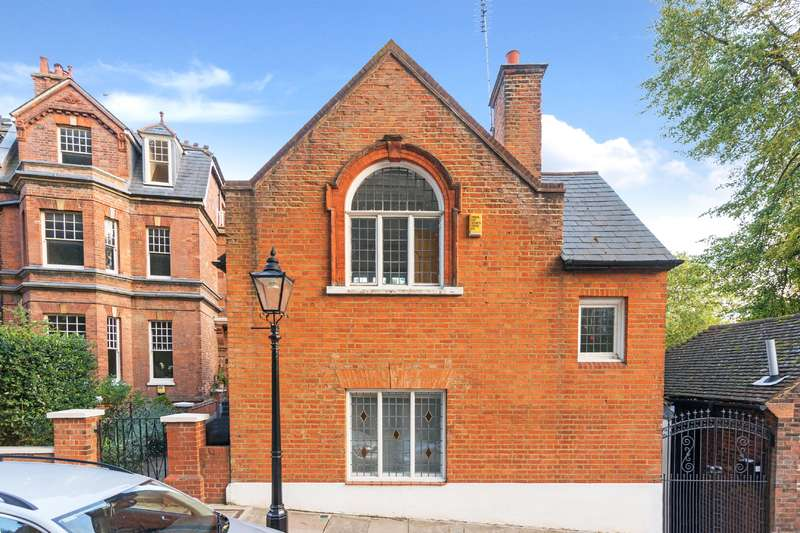 Detached house in  Well Road  London  NW3  Richmond