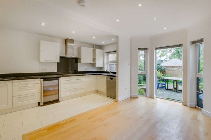 House in  Malthouse Drive  Chiswick  W4  Richmond