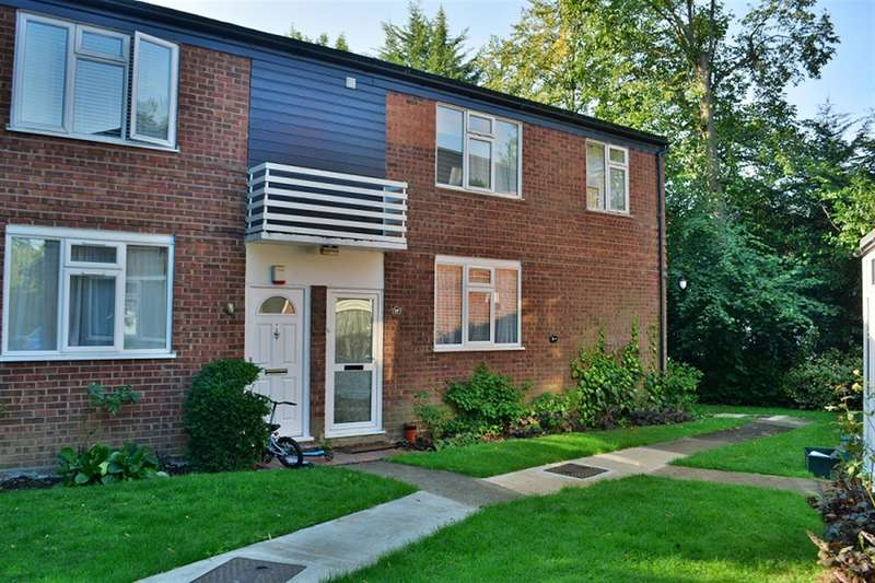 Flat in  The Spinney  Wembley  Middlesex  HA0  Richmond