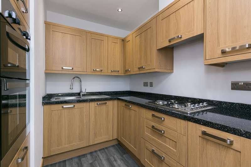 Flat in  Easter Road  Edinburgh  EH6  Edinburgh