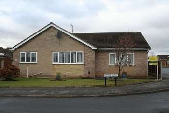3 Bedrooms Detached Bungalow for sale in Ascot Close, Mexborough