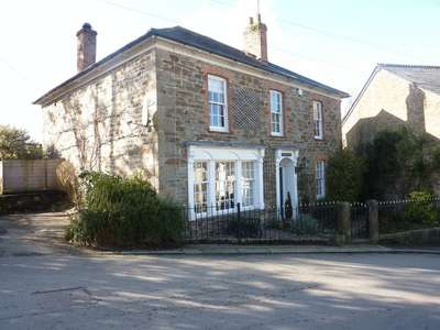 4 Bedrooms Detached House for sale in Grenville Road, Lostwithiel