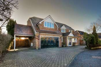 5 Bedrooms Detached House for sale in Oakleigh, Knutsford