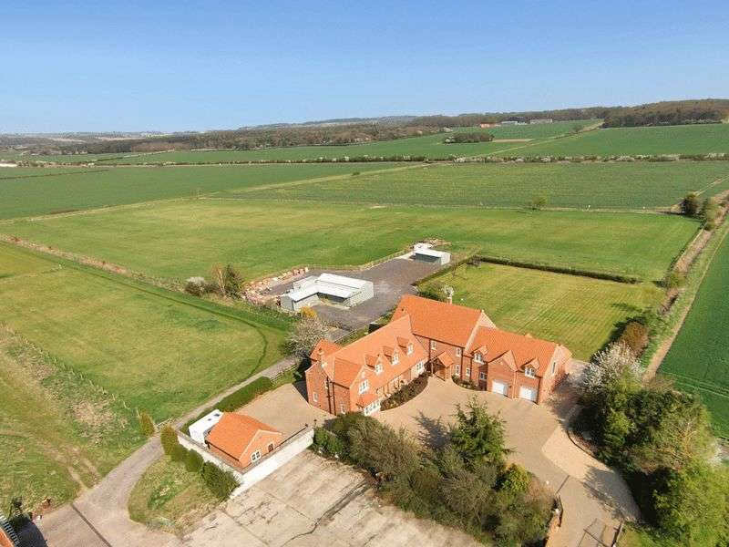6 Bedrooms Detached House for sale in Marston Grantham NG32