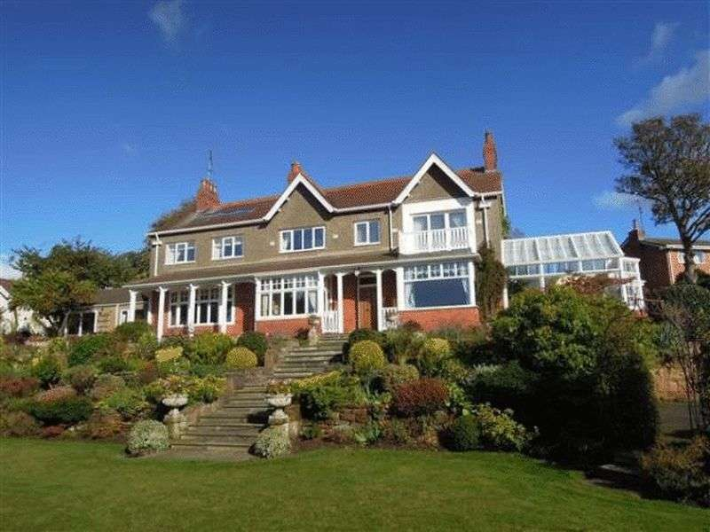 5 Bedrooms Detached House for sale in Thurstaston Road, Heswall, Wirral
