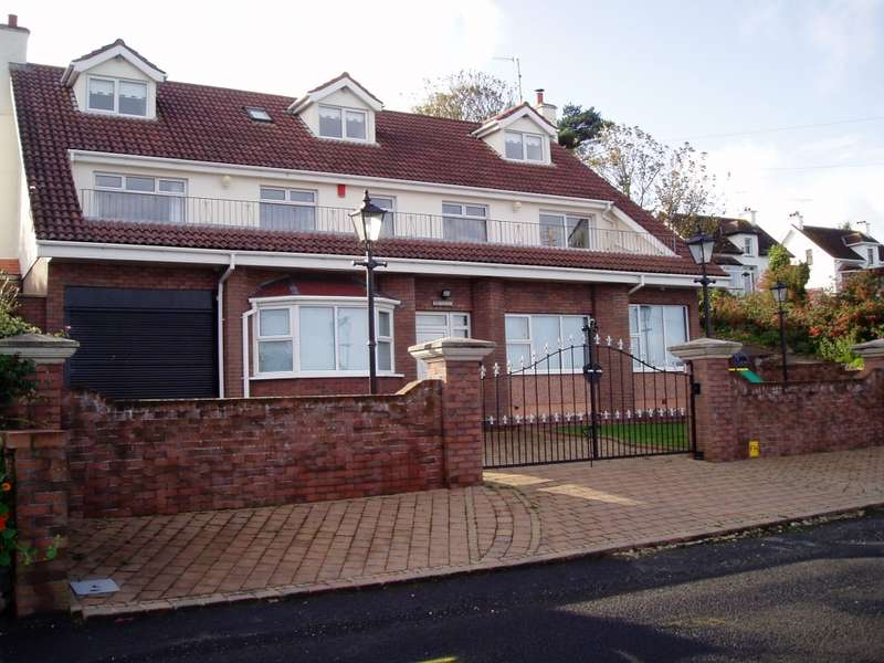 5 Bedrooms Detached House for sale in Coast Road, Ballygally, County Antrim, BT40