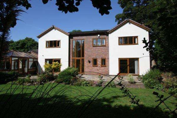 4 Bedrooms Detached House for sale in Heaton Grove Cottage Manchester Rd, Bury