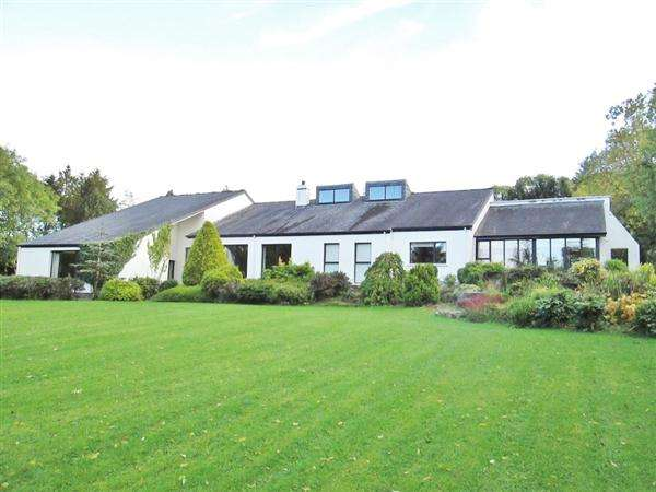 4 Bedrooms Bungalow for sale in Summerhill House