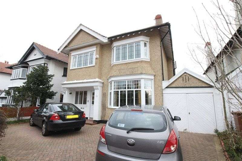6 Bedrooms Detached House for sale in Bryanston Road, Prenton, Wirral