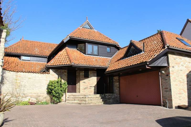 4 Bedrooms Detached House for sale in Church Street, Exning