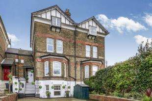 6 Bedrooms Semi Detached House for sale in Frith Road, Dover, Kent