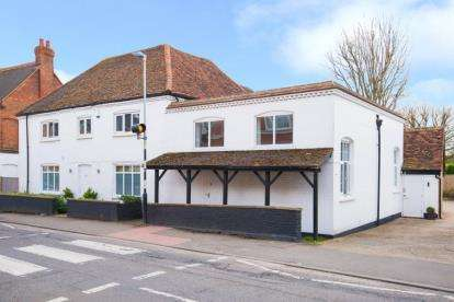 4 Bedrooms Office Commercial for sale in Bridge Road, Hunton Bridge, Kings Langley, Hertfordshire