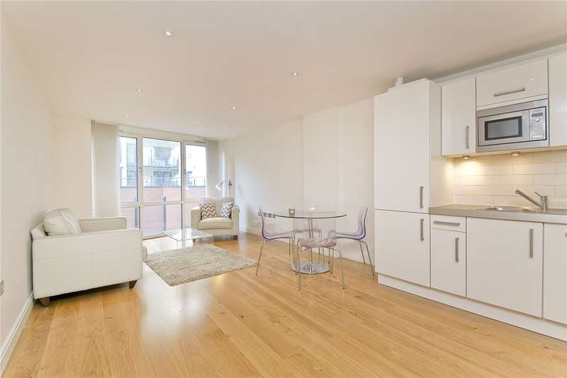 1 Bedroom Flat for sale in Glasshouse Yard, Barbican, EC1A